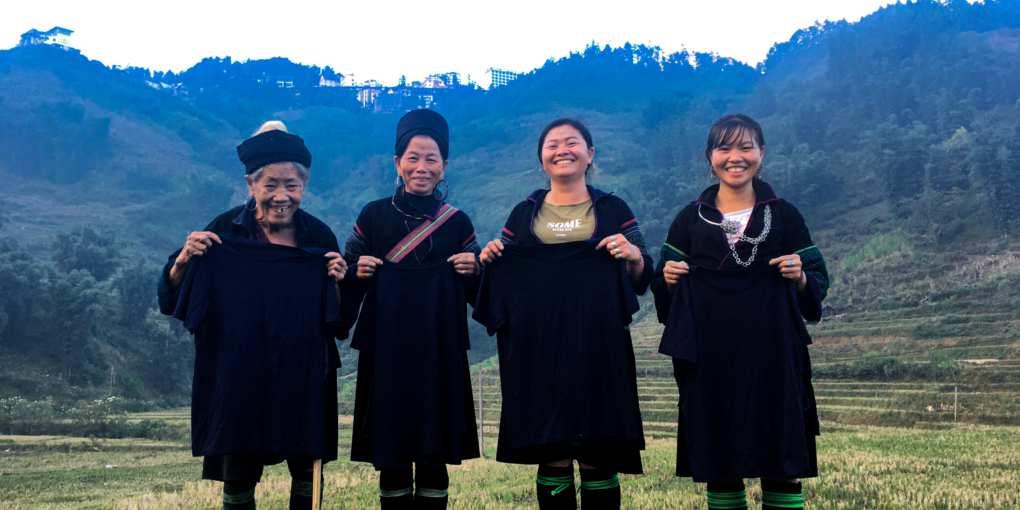 Những nghệ nhân H'Mong nhuộm chàm tại Sapa