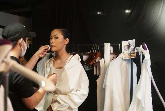 Tôn vinh thời trang Việt, cũng là tôn vinh và trân trọng những người mẫu Việt