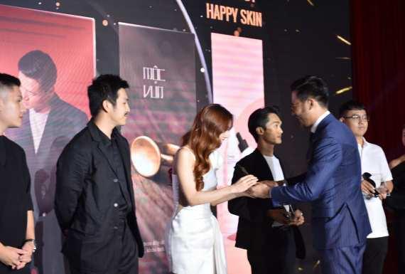 SR Fashion Awards 2020 – Cảm xúc và chia sẻ từ những cái tên được vinh danh